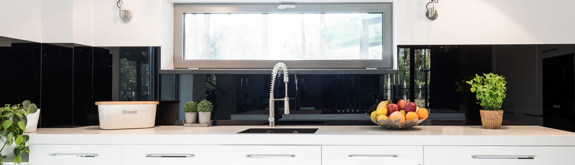 Black Glass Splashback in a Kitchen in Geraldton